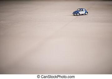 oldtimer, weinig; niet zo(veel), speelgoedauto