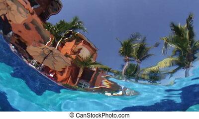 onderwater, ongewoon, pool, hemel, hotel., effect, water, geplaatste, fototoestel, verfilming, maakt, zwemmen