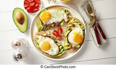 ontbijt, sandwiches, heerlijk, afgesnijdenene, gezonde , gebraden, avocado, ei