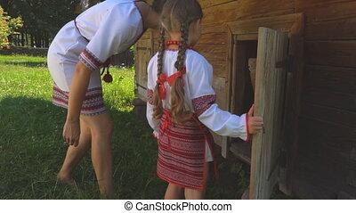 open deur, dochter, mamma