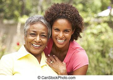 oude vrouw, dochter, volwassene, het koesteren