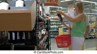 paar, aankoop, supermarkt, gezin, wijntje
