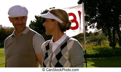 paar, golfing, gat, achttiende, het glimlachen