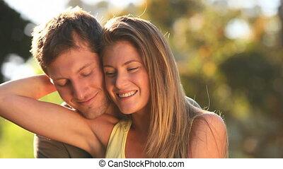 paar, het knuffelen, aantrekkelijk