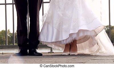 paar, springt, trouwfeest