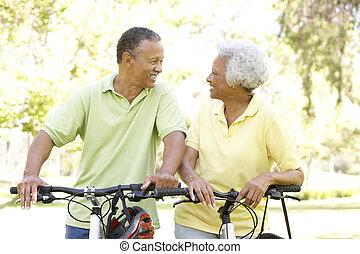 paardrijden, paar, fietsen, park, senior