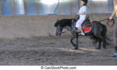 paardrijden, pony, kind