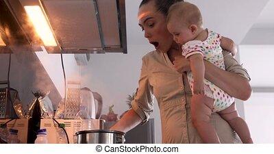 pap, haar, armen, baby, moeder, adviesen, aangebrand