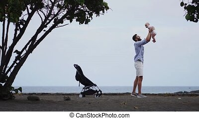 papa, baby, strand, wandelaar