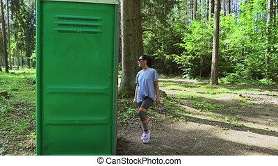 park, buiten, toilet, vrouw
