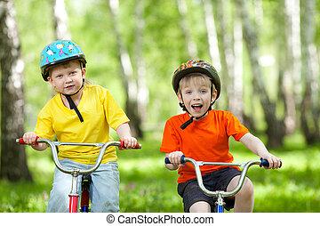 park, vrolijke , fiets, groene, kinderen