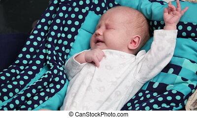 pasgeboren baby, het schreeuwen