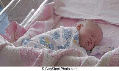 pasgeboren baby, ziekenhuis, moederschap, slapende