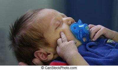 pasgeboren, fop, verhuizing, tr, handen