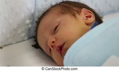 pasgeboren, het glimlachen