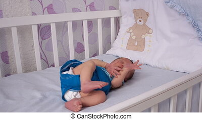 pasgeboren, ligt, crib., baby