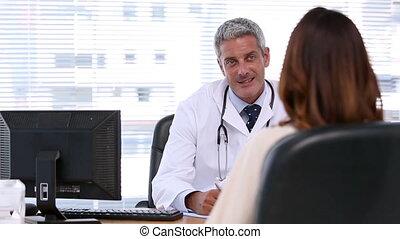 patiënt, het luisteren, arts
