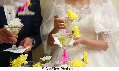 piramide, wineglasses, trouwfeest