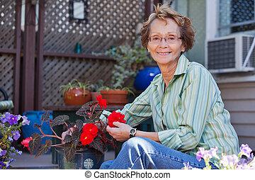 plant, vrouw, senior, potted