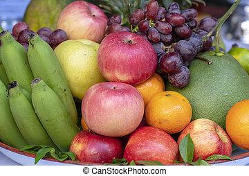 plateau., appel, mandarijn, fruit, sinaasappel, grapefruit, closeup, fris, assortiment, druiven, ananas, banaan
