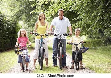 platteland, berijdende fietsen, gezin