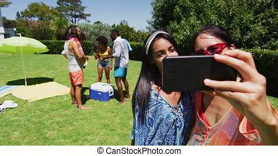 pool, boeiend, selfie, gemengd, vrienden, vrouwlijk, twee, hardloop, feestje