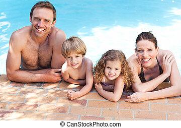 pool, zwemmen, naast, gezin, vrolijke