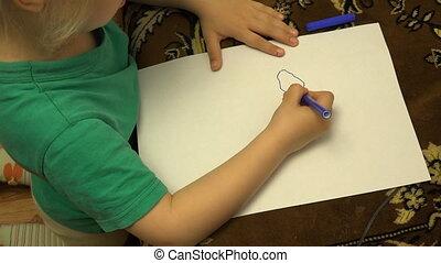 potloden, weinig; niet zo(veel), thuis, meisje, tekening, vrolijke