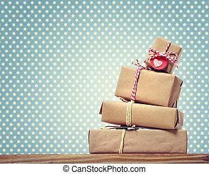punten, cadeau, met de hand gemaakt, op, polka, dozen, achtergrond
