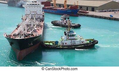 radvormigen, twee, slepen, zee, bootjes, tanker, porto