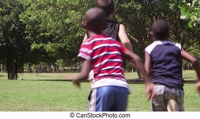rennende , groep, spelend, kinderen