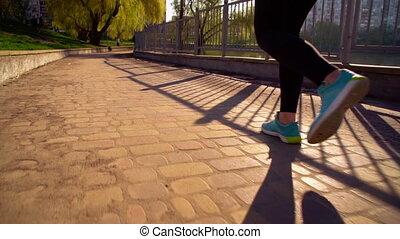 rennende , vrouw, buitenshuis