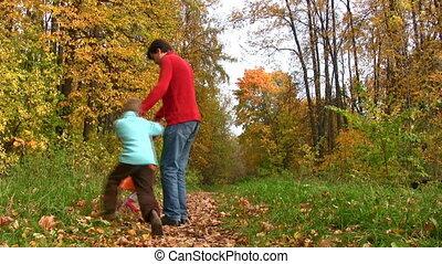 roteren, park, vader, twee, herfst, kinderen