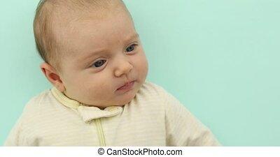roze, pasgeboren, achtergrond, baby meisje, het glimlachen