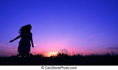 roze, silhouette, hemel, jonge, tegen, rennende , meisje