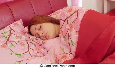 roze, vrouw, draaien, gooien, bed., slapende