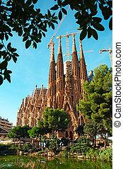 sagrada familia, barcelona, kerk