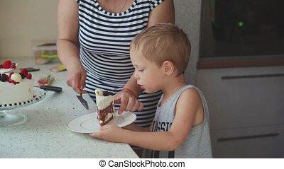 schaaltje, taart, vrouw, kinderen, zet