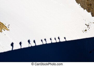 schaduwen, berg, trekkers, groep, sneeuw