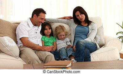 schattig, familie poserend