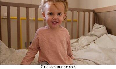 schattig, kinderbed, zittende , toddler