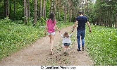 schattig, wandelende, park, ouders, baby meisje
