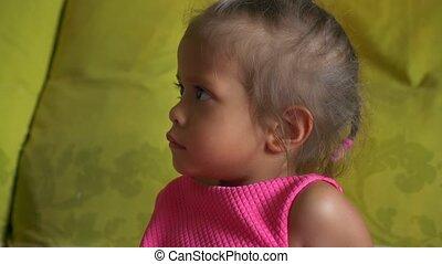 schattig, weinig; niet zo(veel), whims, concept, meisje, closeup, aziaat, verticaal, kinderen, slecht