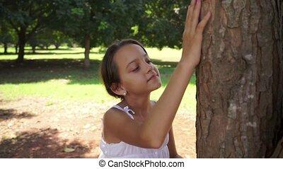 school, boompje, meisje, het koesteren, vrolijke