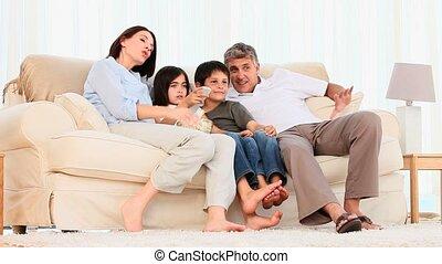schouwend, popcorn, film, gezin