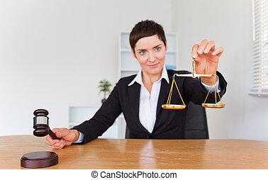 schub, justitie, gavel, professionele vrouw