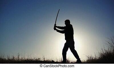 silhouette, kerel, beoefenen, zwaard