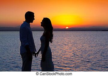 silhouette, licht, paar, back, meer, ondergaande zon , liefde