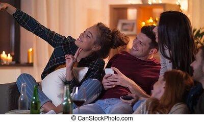 smartphone, selfie, thuis, vrienden, boeiend, vrolijke