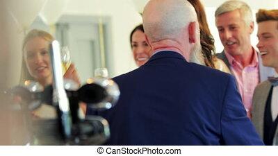 socialising, gasten, trouwfeest